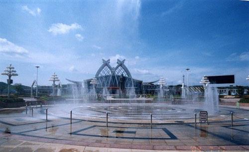 火车南站魏源广场音乐喷泉