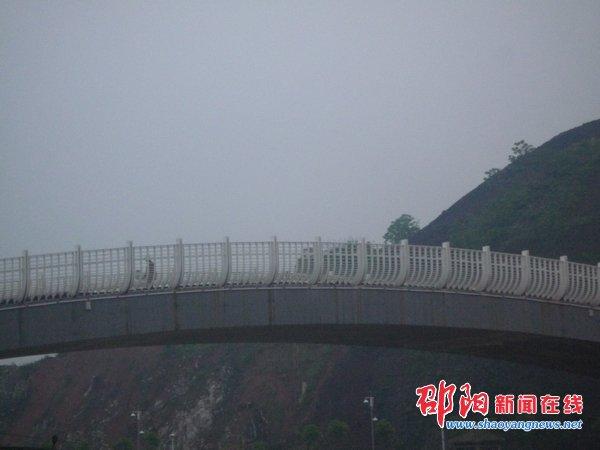 远望步月桥