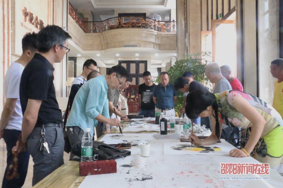 邵阳市红色旅游进校园、进社区、进景区之走进北塔