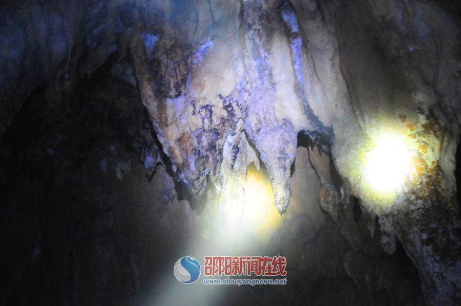 探险张仙岩洞:打开一个神秘的地下宫殿