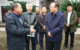 龚文密到邵阳县宣讲党的十九大精神并调研脱贫攻坚工作
