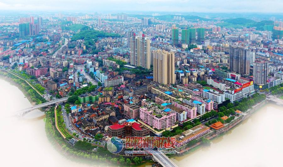 邵阳市东风路老街区的新生之路
