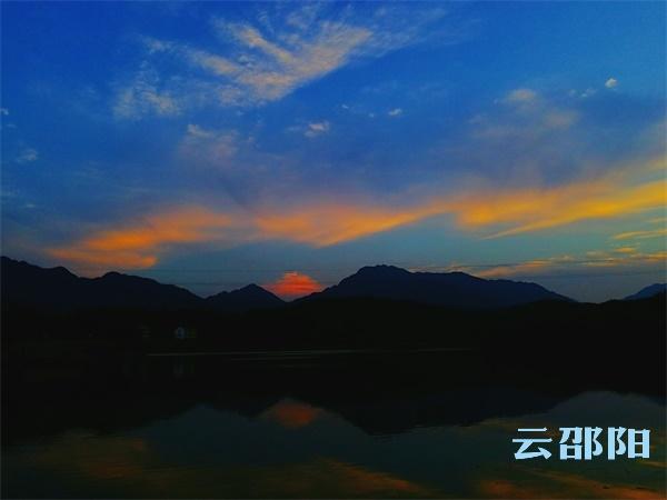 betway官网必威Ios丨青山拥湖水 湖水映晚霞!这里的晚霞太美啦!