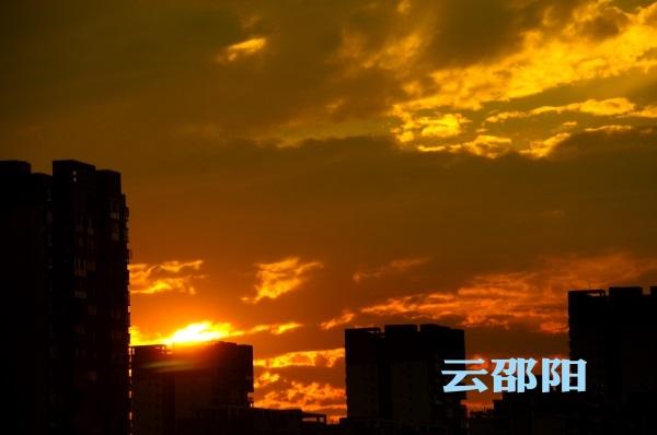 邵阳拍客 | 天空飘着红绸带,今天夕阳美得让你认不出邵阳