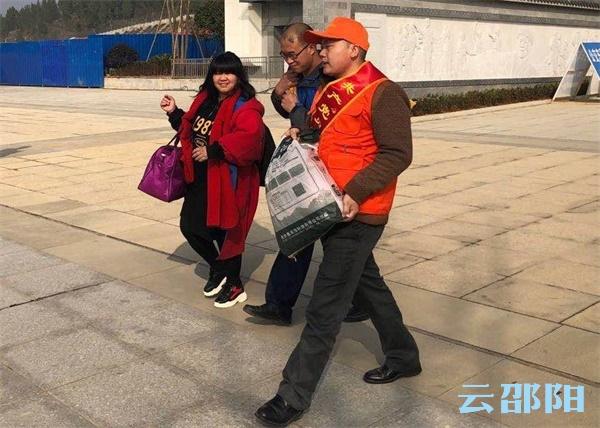 隆回万名党员坚守春节值班岗