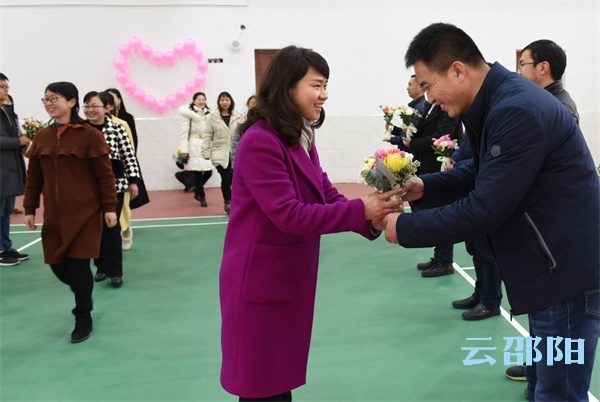 """邵阳拍客丨游艺沙龙活动庆""""三八""""国际妇女节"""