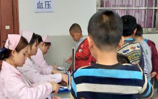 武冈市司马冲镇九年制学校开展中小学生体质健康检查活动