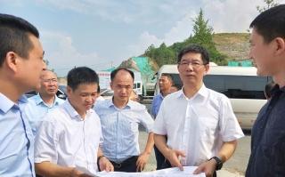 刘事青到邵阳经开区现场调度重点产业项目建设:把最优质的资源服务于产业建设