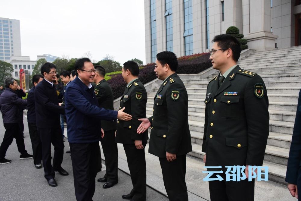 龚文密刘事青慰问驻邵部队官兵:畅叙鱼水深情 共谋融合发展